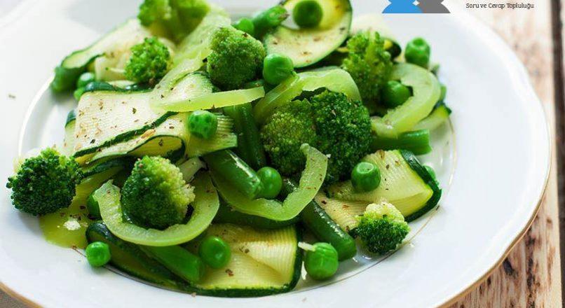 Brokolili diyet salata